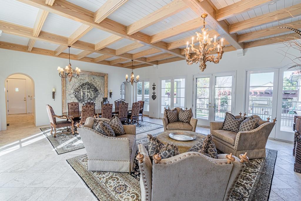 810 Montecito Dr Property Photo 10