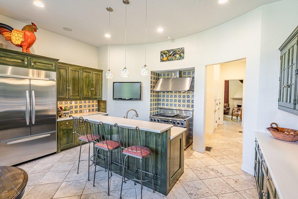 810 Montecito Dr Property Photo 13
