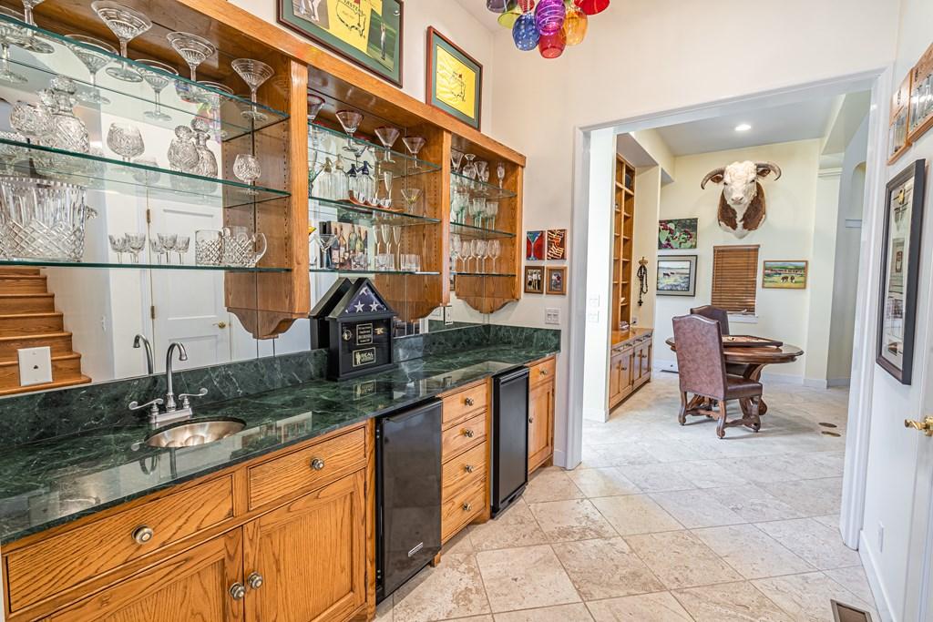 810 Montecito Dr Property Photo 17