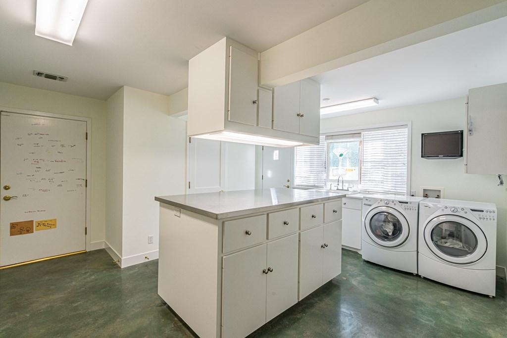 810 Montecito Dr Property Photo 30