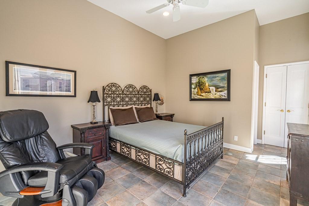810 Montecito Dr Property Photo 32