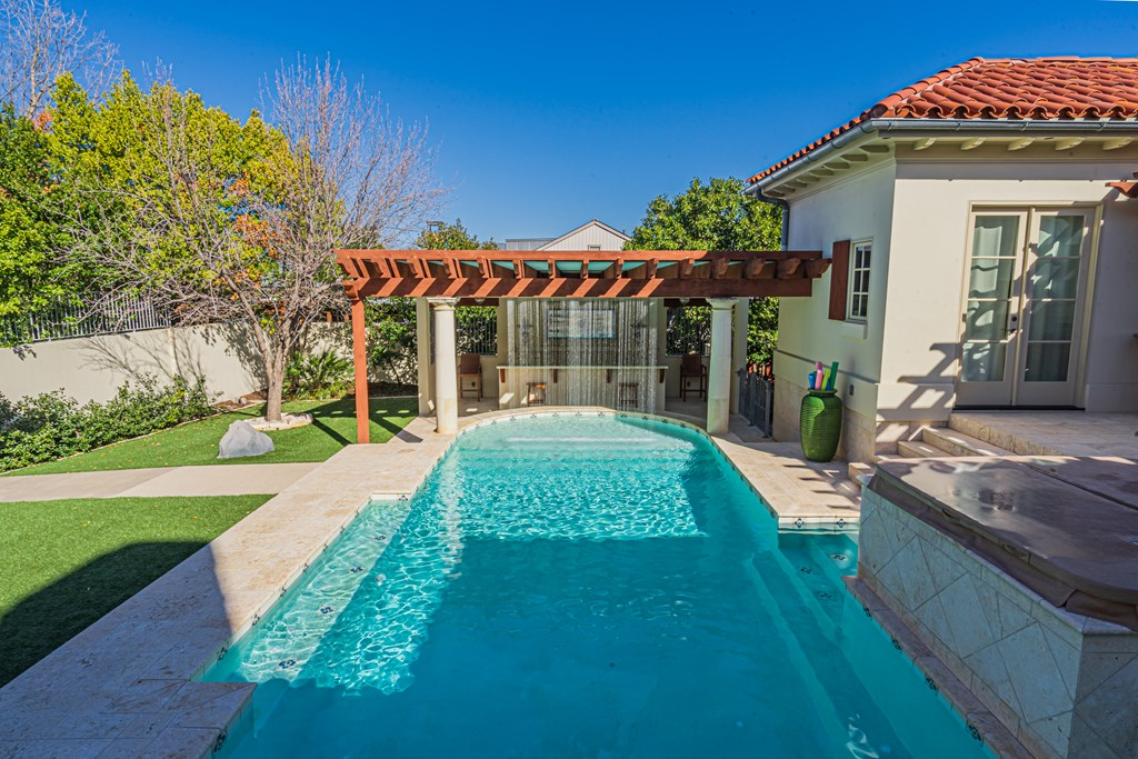 810 Montecito Dr Property Photo 35
