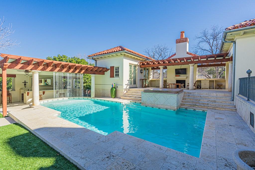 810 Montecito Dr Property Photo 37