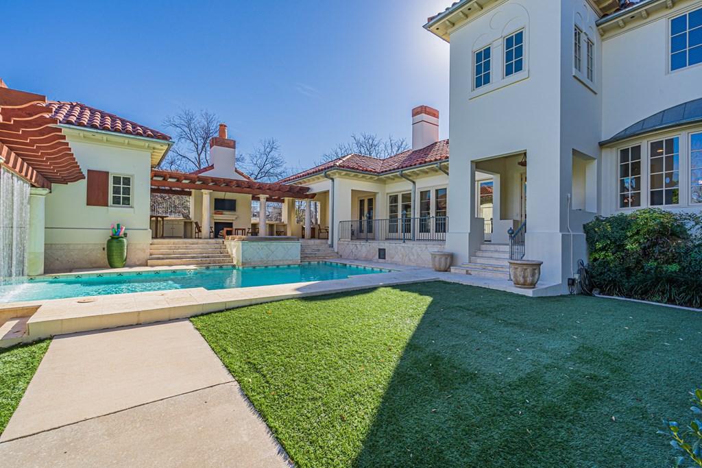 810 Montecito Dr Property Photo 38