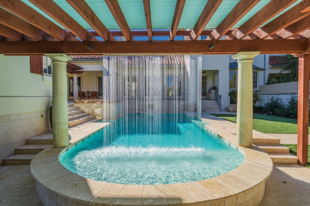 810 Montecito Dr Property Photo 40