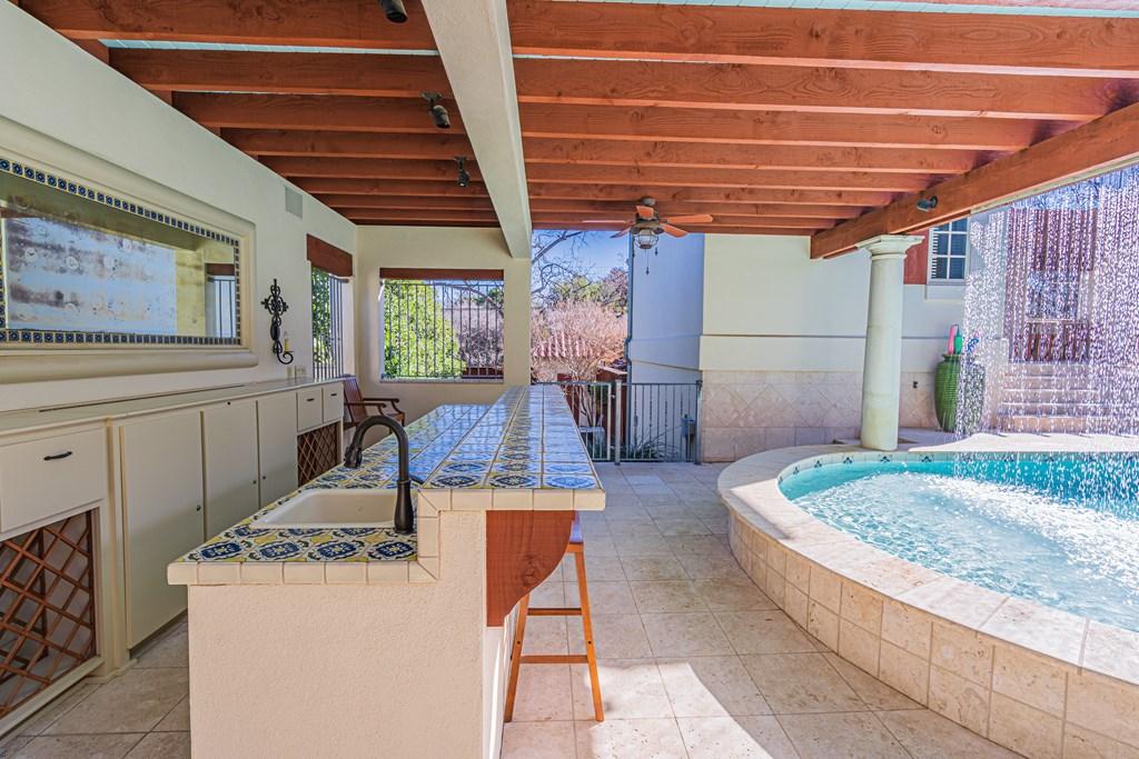 810 Montecito Dr Property Photo 41