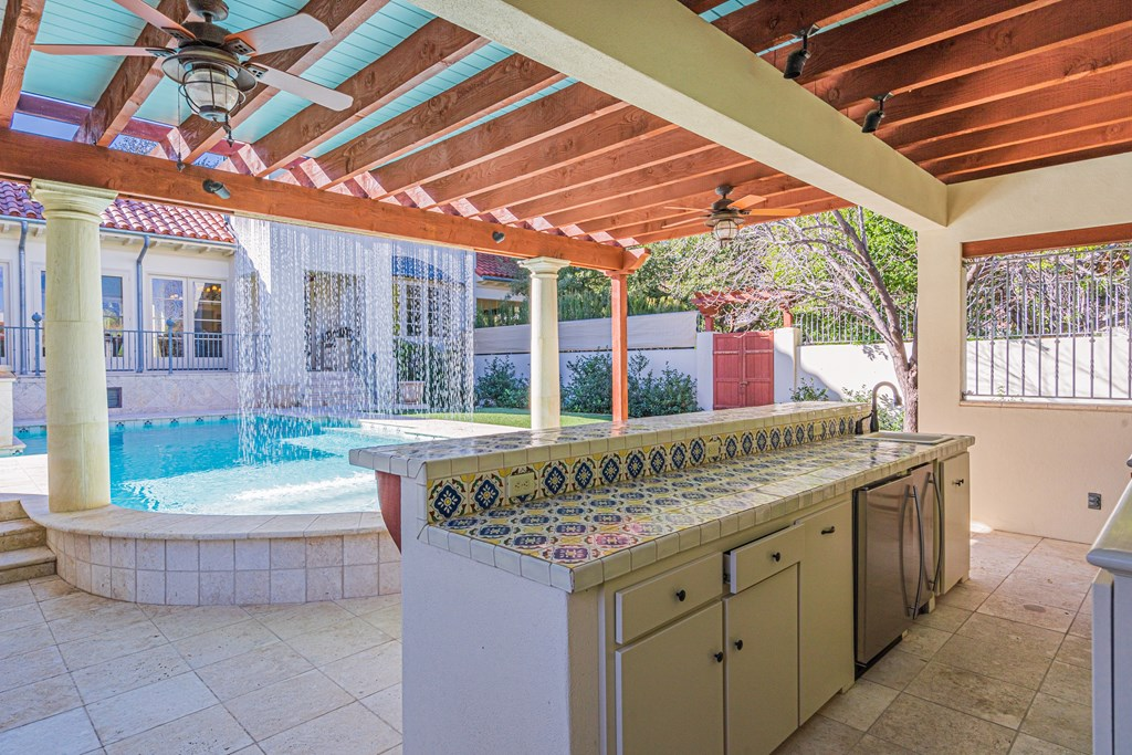 810 Montecito Dr Property Photo 42