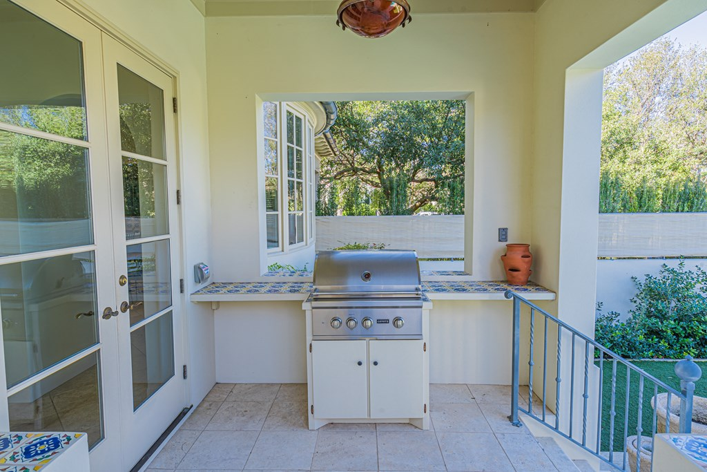810 Montecito Dr Property Photo 43