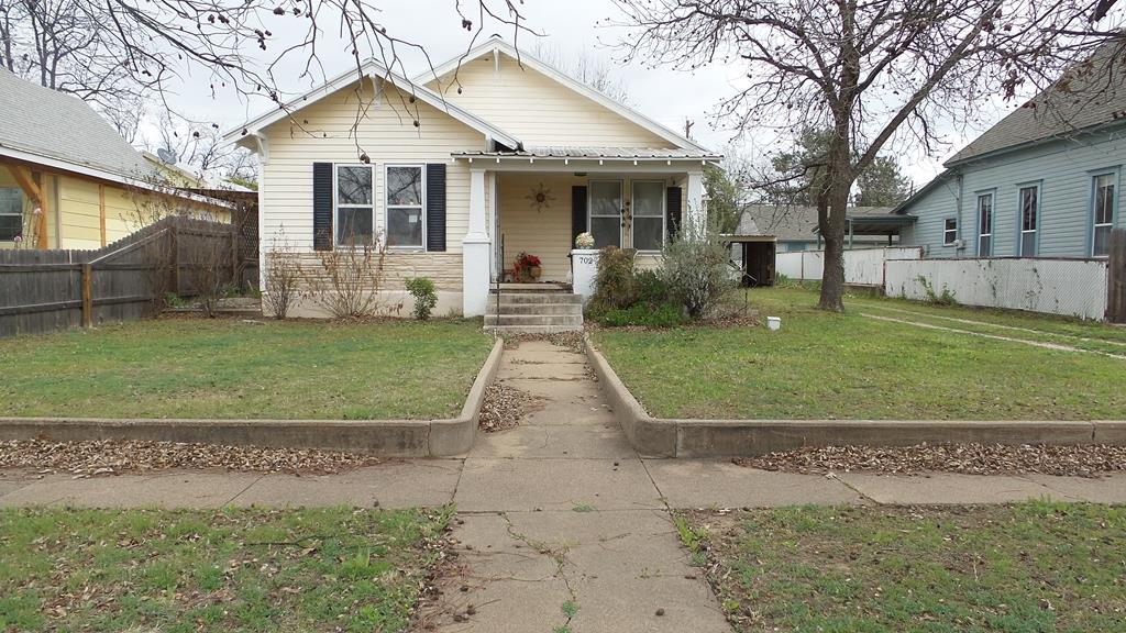 702 N 9th St Property Photo 1