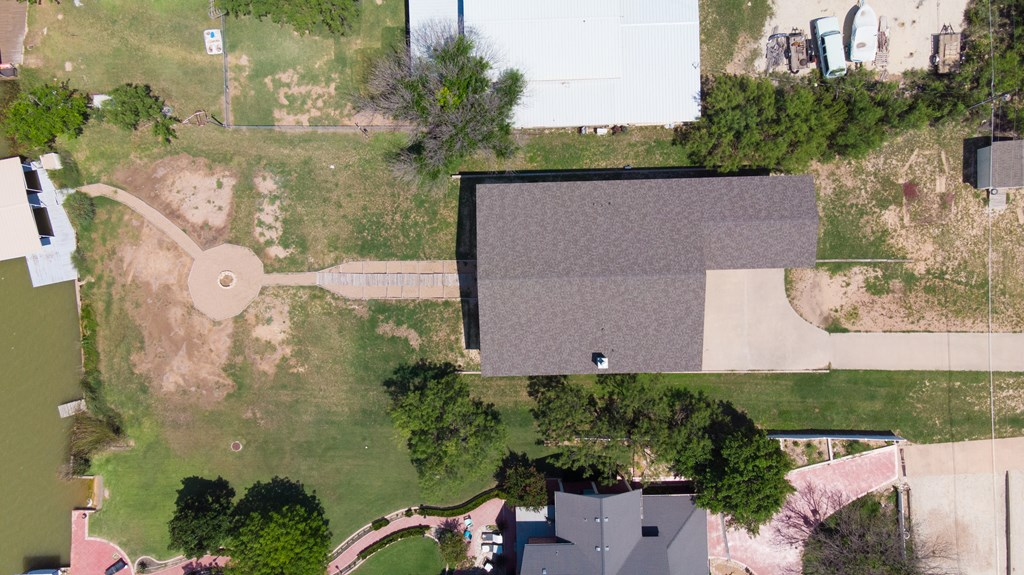 2862 Red Bluff Circle Property Photo 4