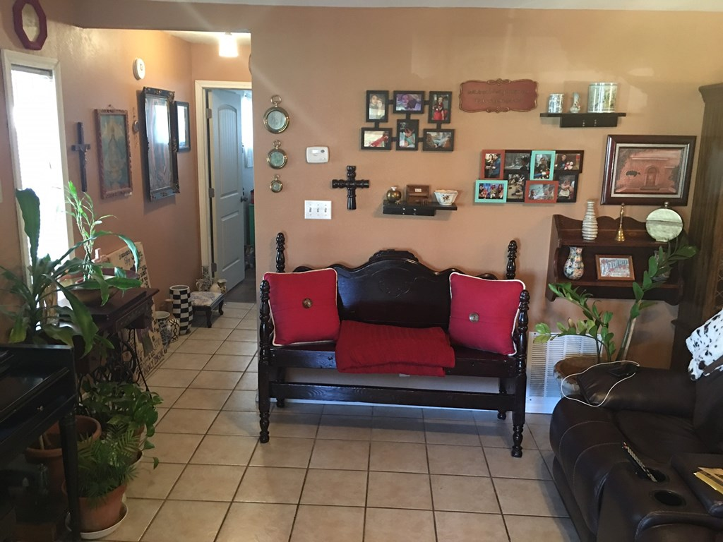 409 Santa Clara Property Photo 4