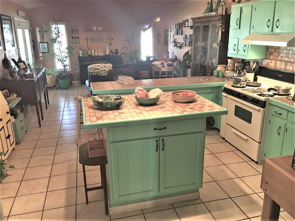409 Santa Clara Property Photo 10