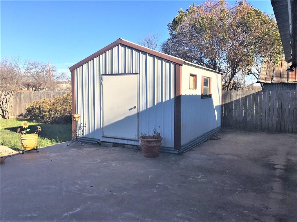 409 Santa Clara Property Photo 11