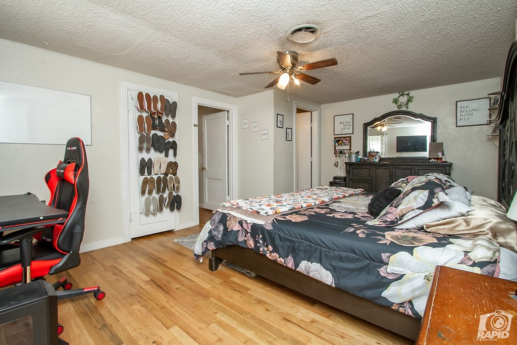 906 N Jefferson St Property Photo 12