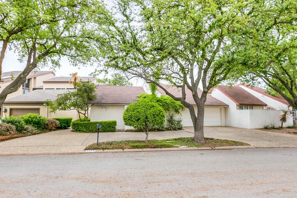 2560 Lindenwood Dr Property Photo 1