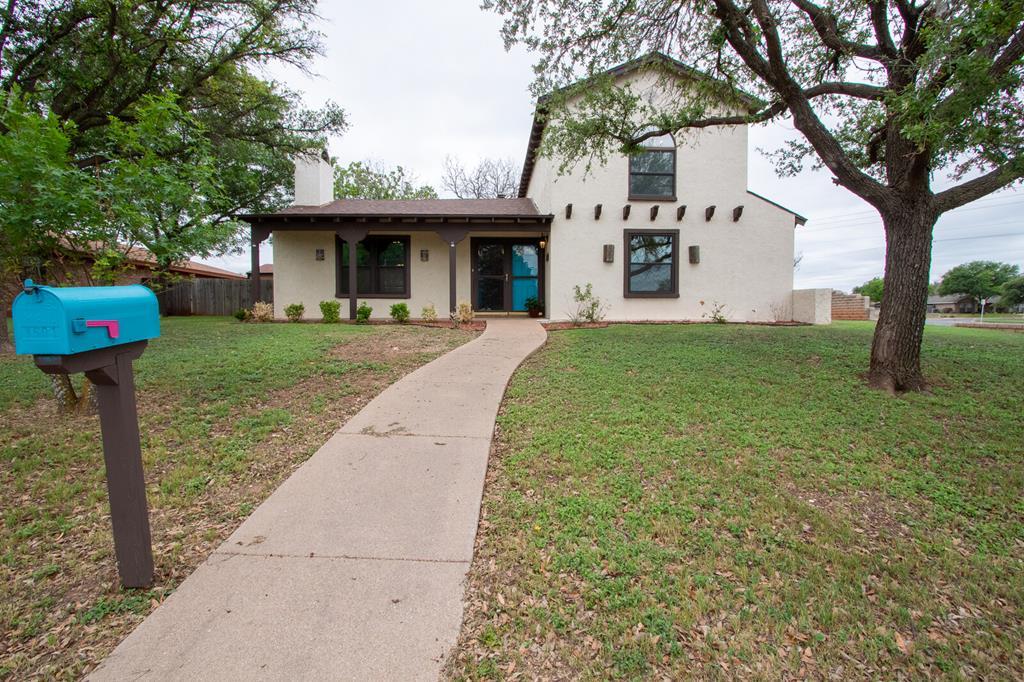 3501 Southland Blvd Property Photo 1