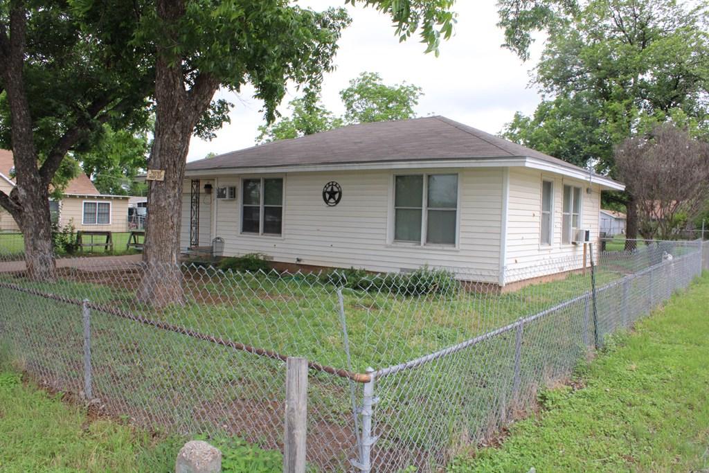 1104 N Broadway St Property Photo 24