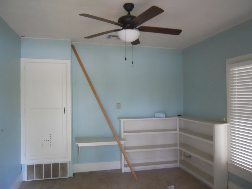 900 N 11th St Property Photo 2