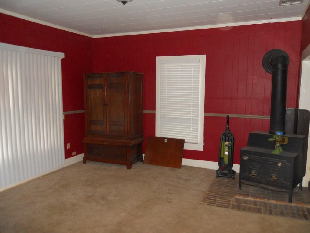 900 N 11th St Property Photo 3