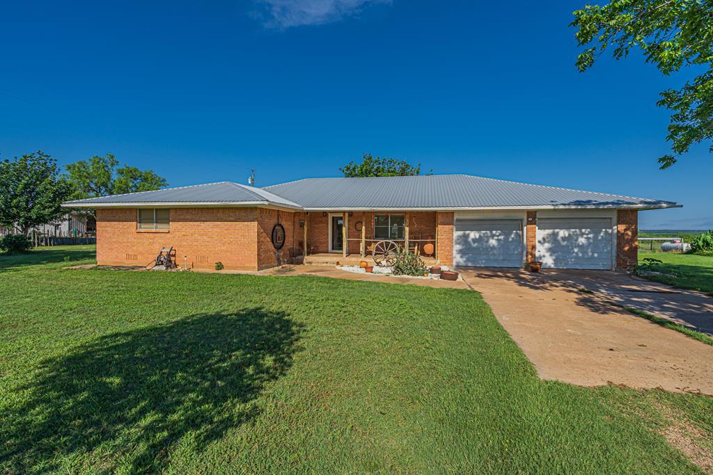 5006 Fm 2333 Property Photo 1