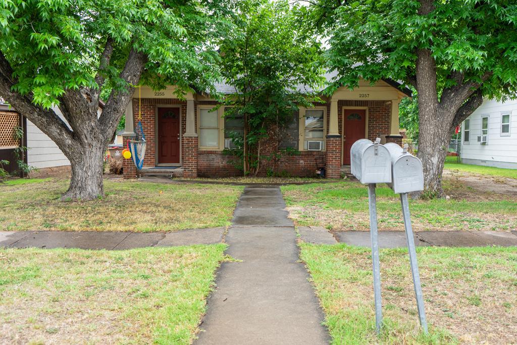 2255 Webster Ave Property Photo 1