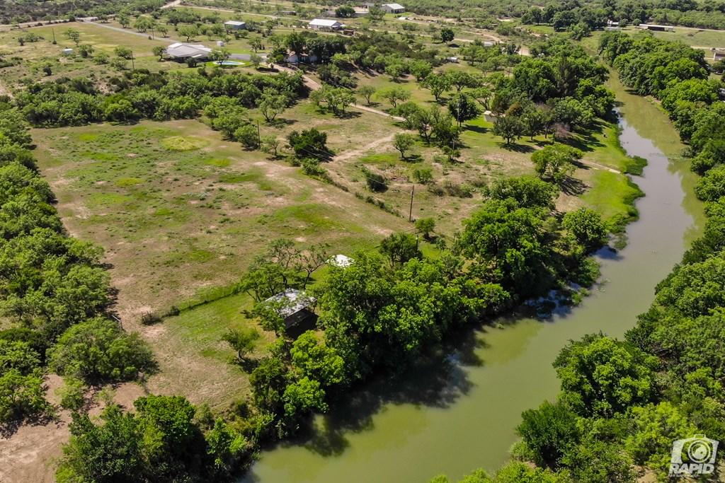 11046 Twin Lakes Lane Property Photo 3