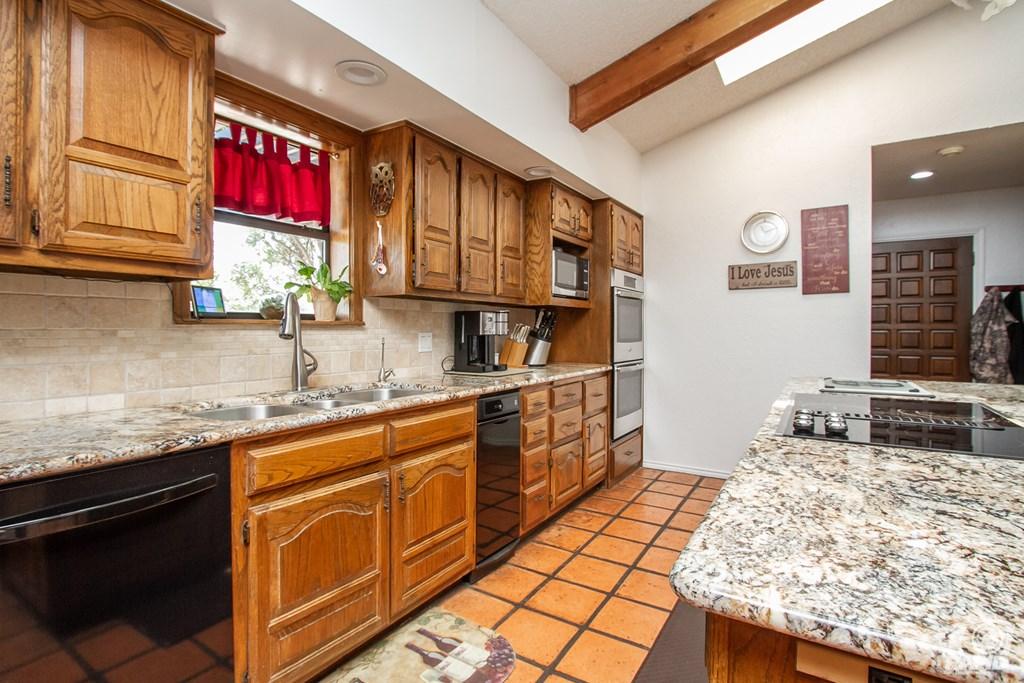 11046 Twin Lakes Lane Property Photo 16