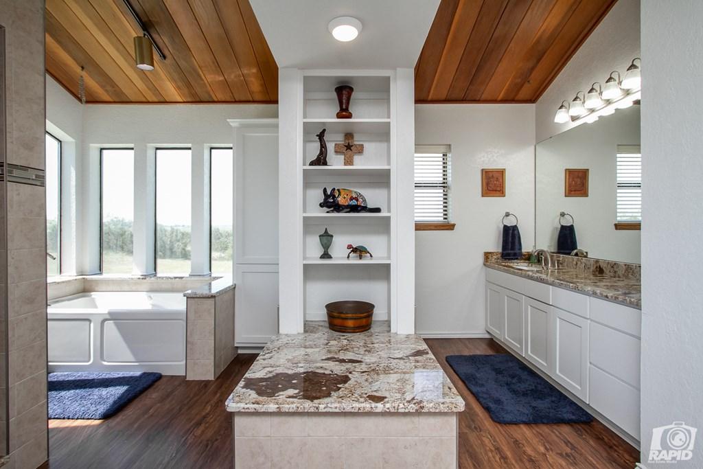 11046 Twin Lakes Lane Property Photo 23