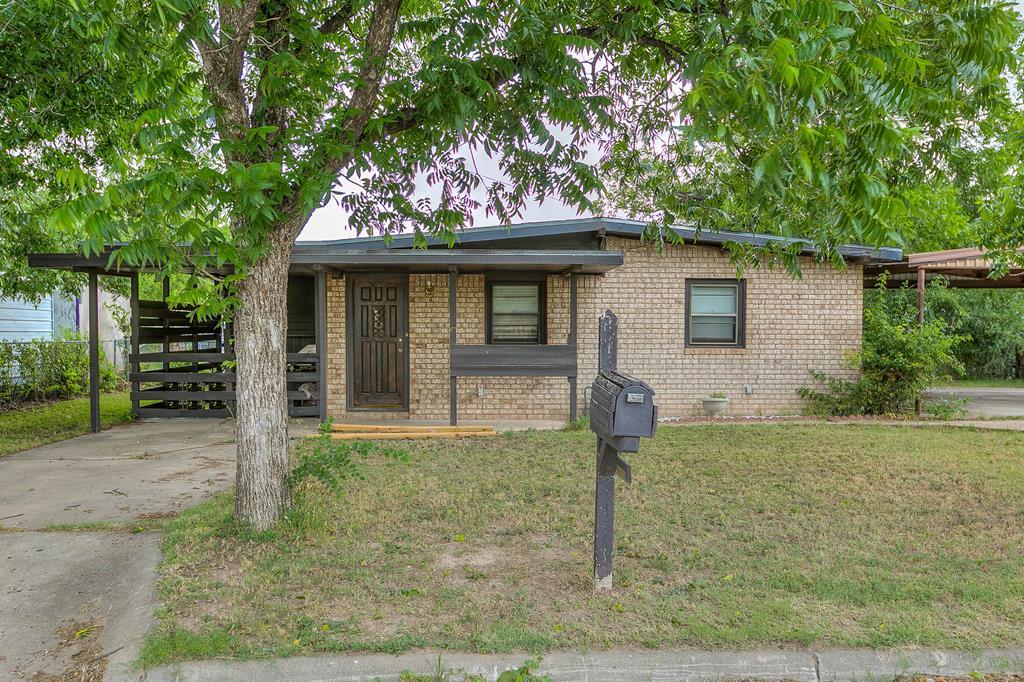 218 N Buchanan St Property Photo 1
