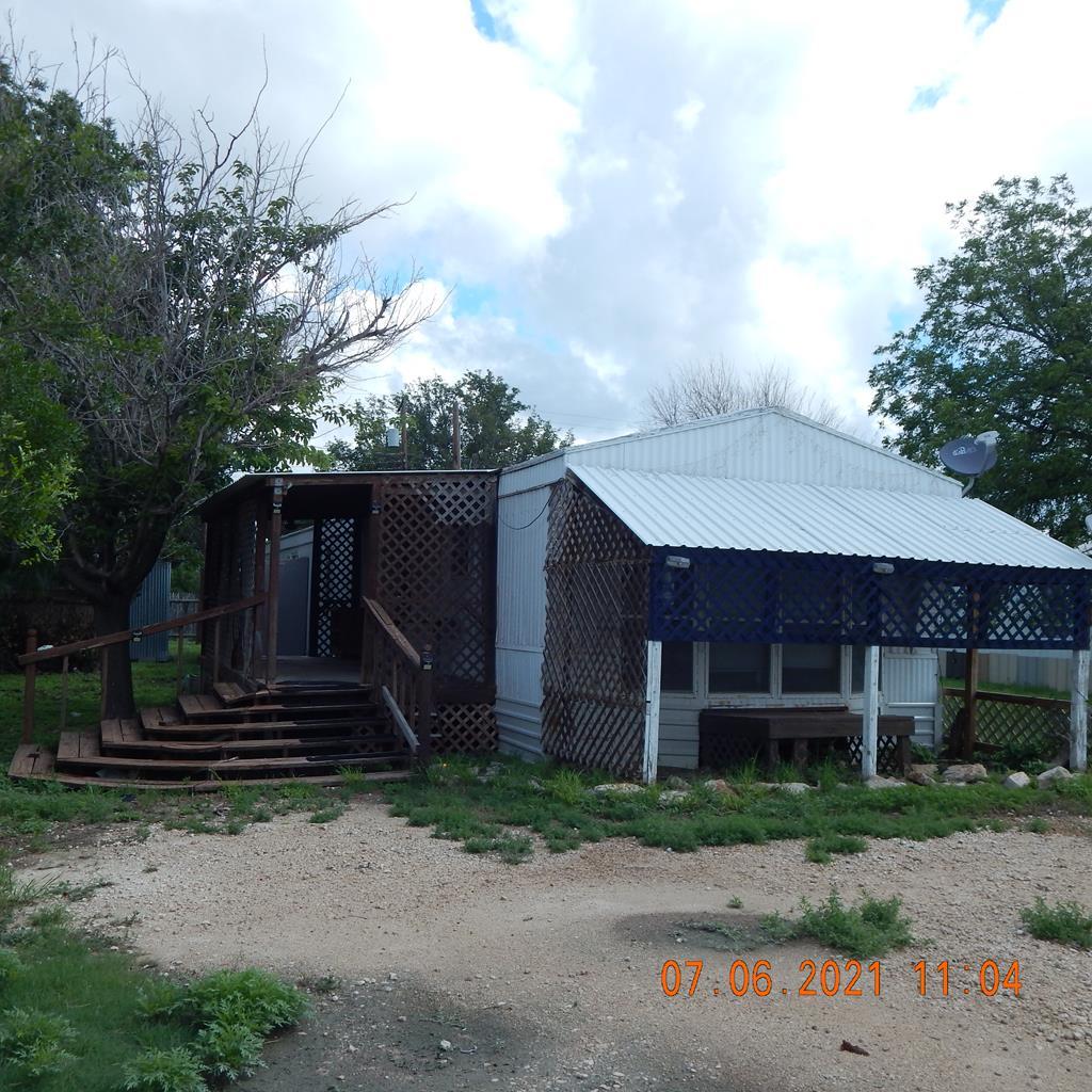 905 E 3rd St Property Photo 1