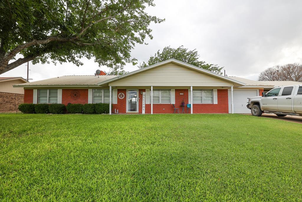 118 Ave G Property Photo 1