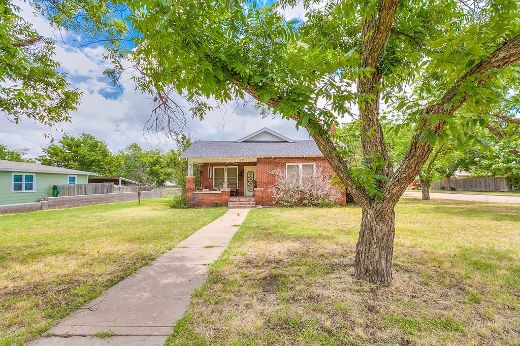 211 Largent Ave Property Photo 2