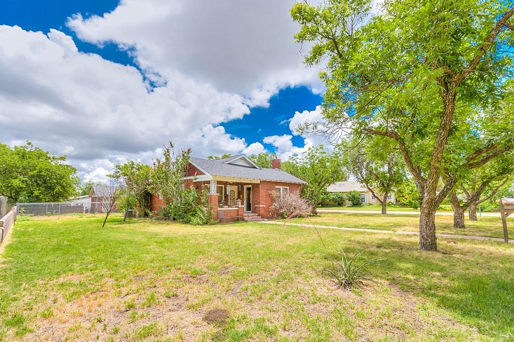 211 Largent Ave Property Photo 3