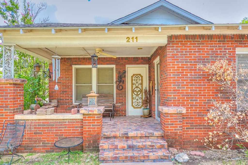 211 Largent Ave Property Photo 5
