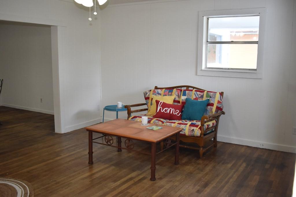 810 N 7th St Property Photo 1