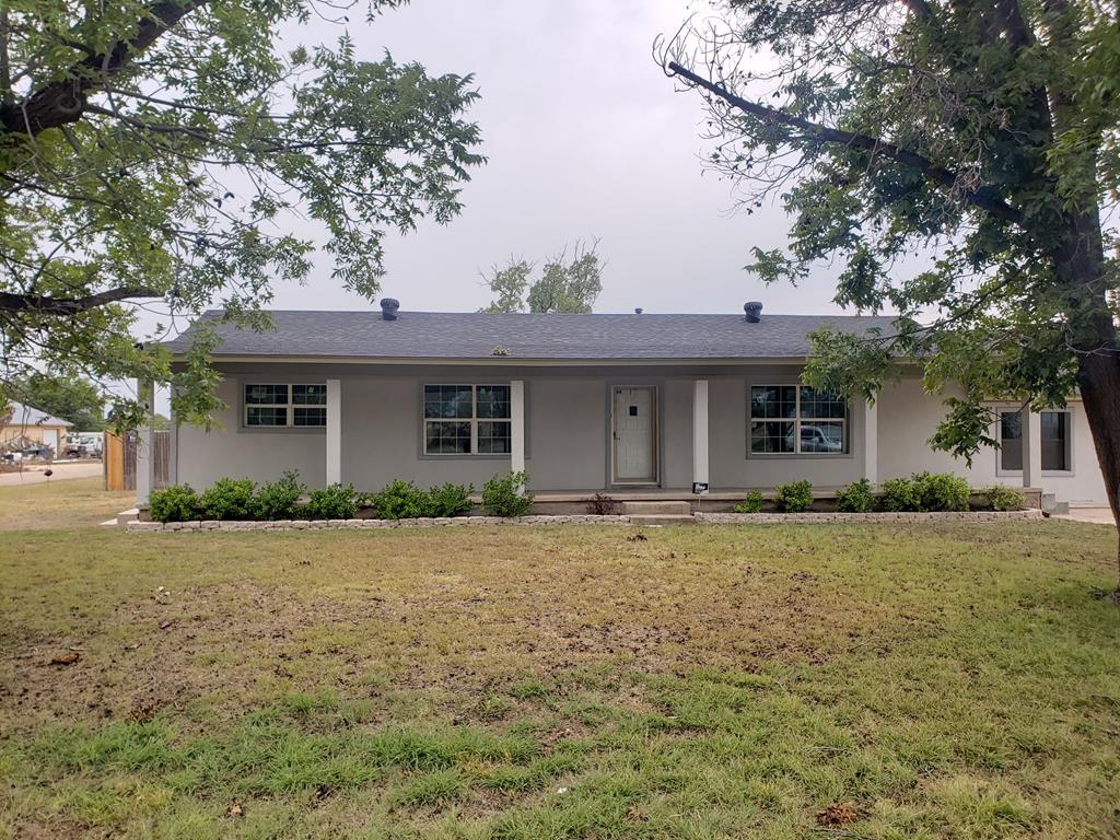 801 E Hwy 158 Property Photo 1