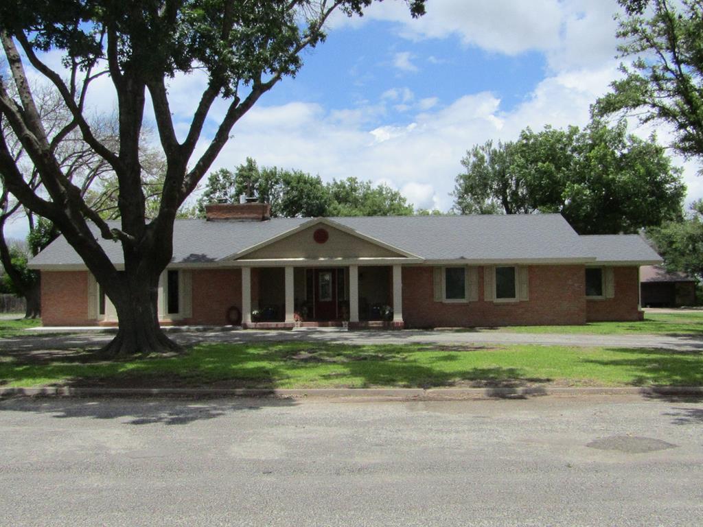 103 W Live Oak St Property Photo 1