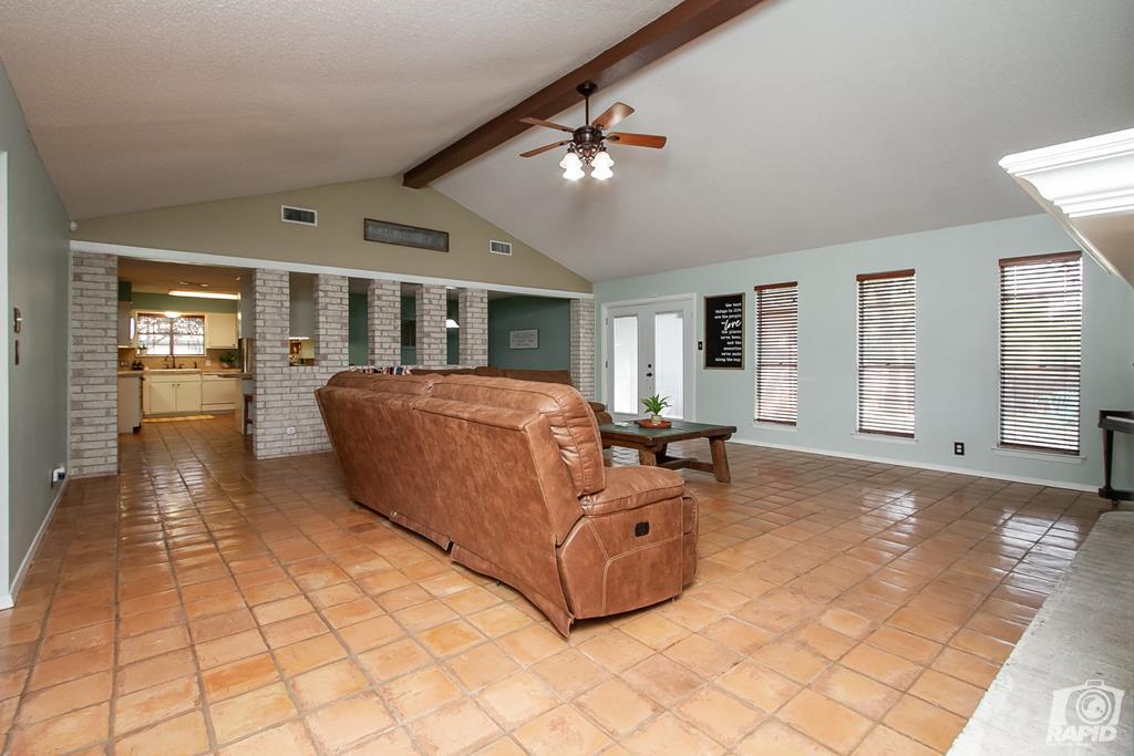 3226 Southland Blvd Property Photo 6