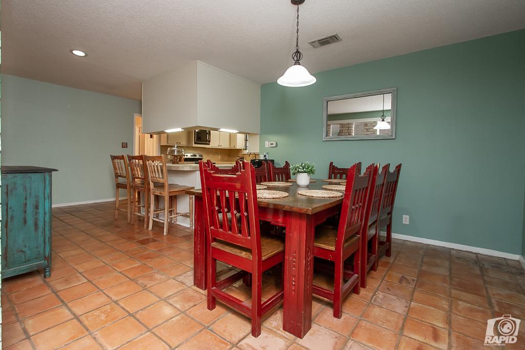 3226 Southland Blvd Property Photo 9