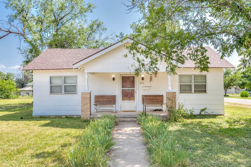 609 N 10th St Property Photo 1