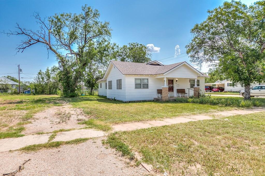 609 N 10th St Property Photo 23
