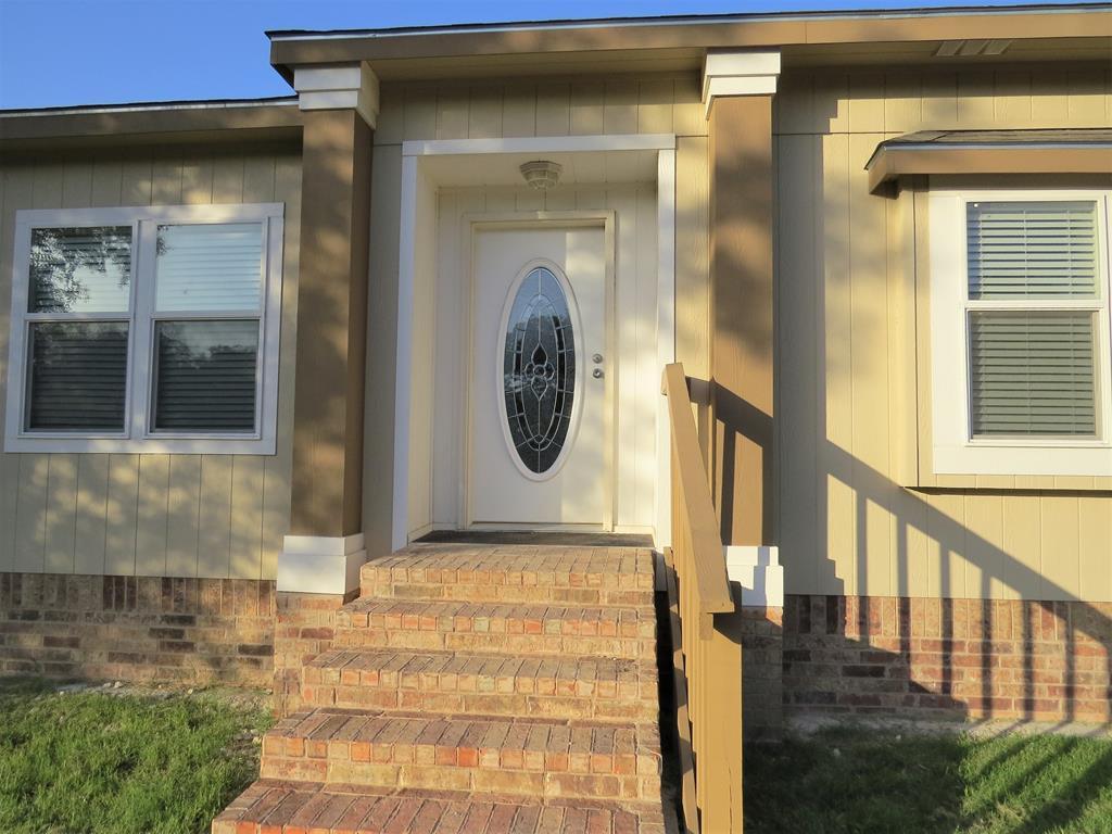 300 W Castlehill Rd Property Photo 1