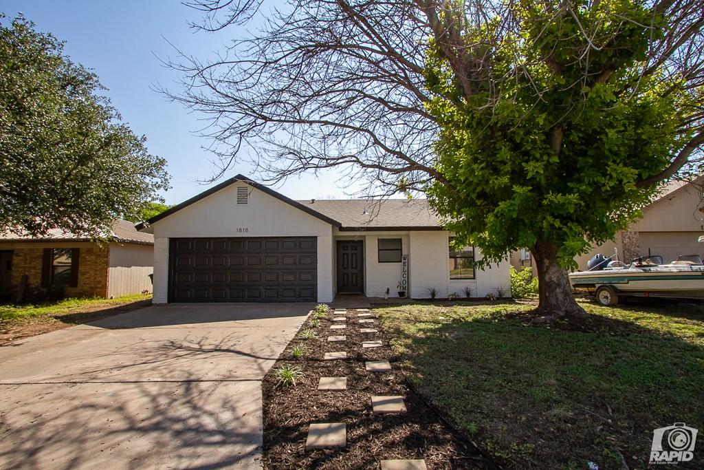 1818 La Mesa Lane Property Photo 2