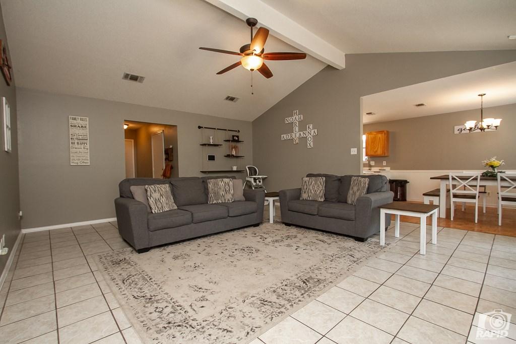 1818 La Mesa Lane Property Photo 5