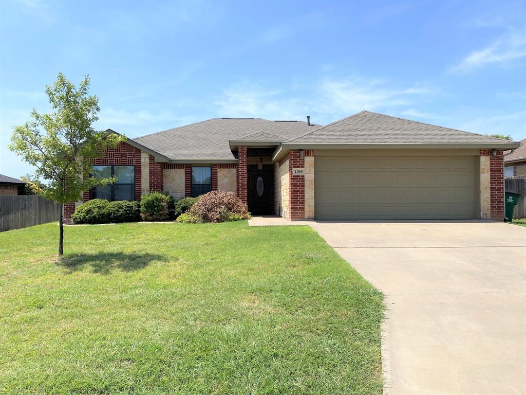 1109 Windemere Circle Property Photo 1