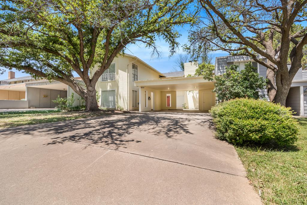 2404 Lindenwood Court Property Photo 1