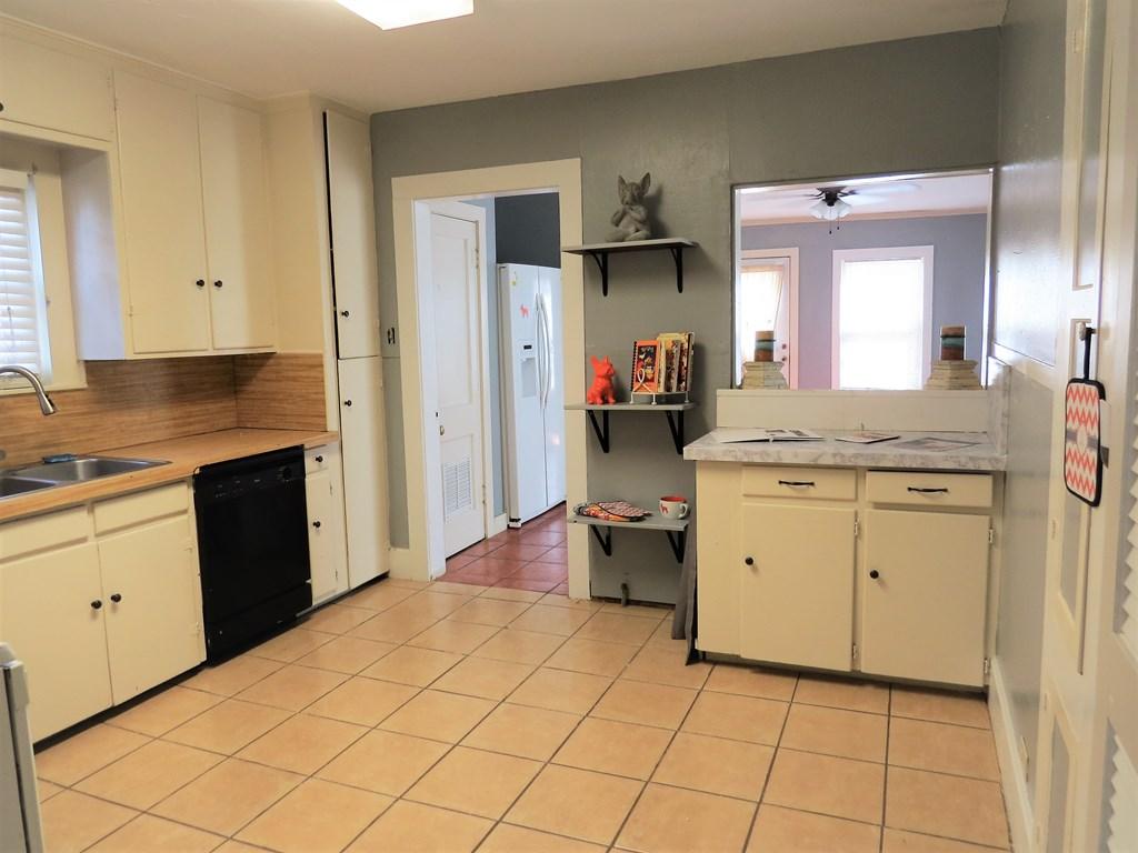 1107 Glasscock Ave Property Photo 4