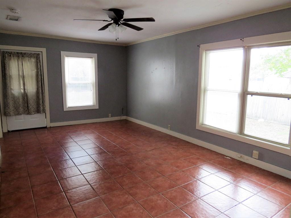 1107 Glasscock Ave Property Photo 8