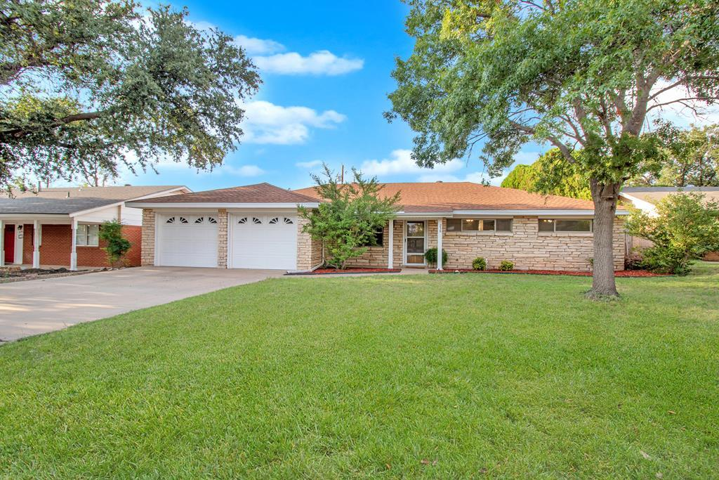 238 Edgewood Dr Property Photo 1