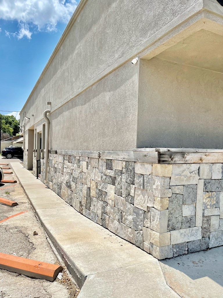 1013 W Beauregard Ave Property Photo 1